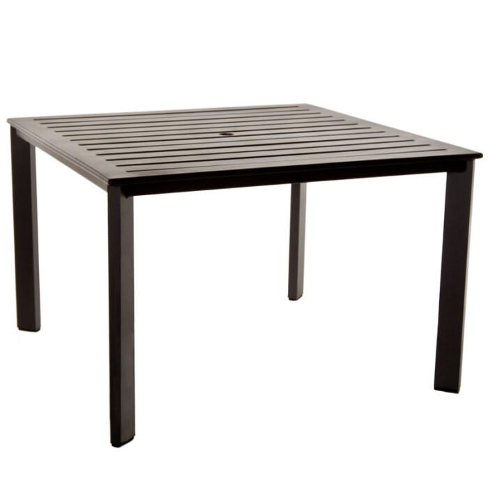 OWLee-Gios-Slat-Dining-Table