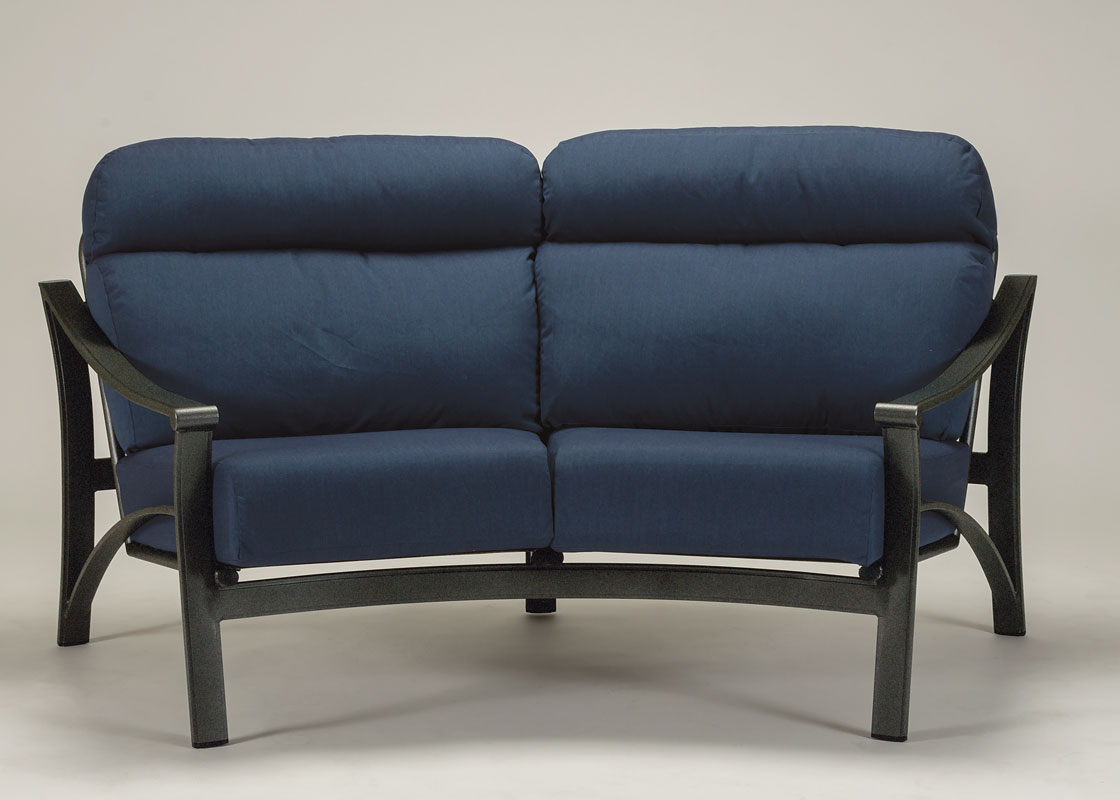 tropitone-corsica-crescent-love-seat