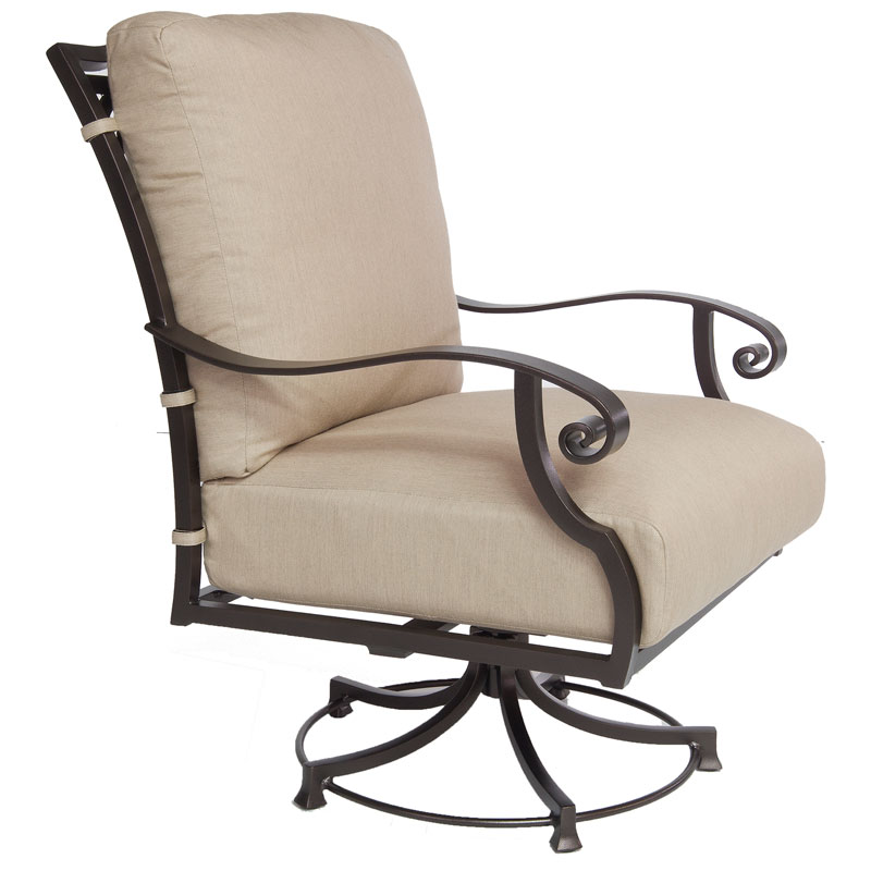 palisades-deepseating-swivel-club-chair