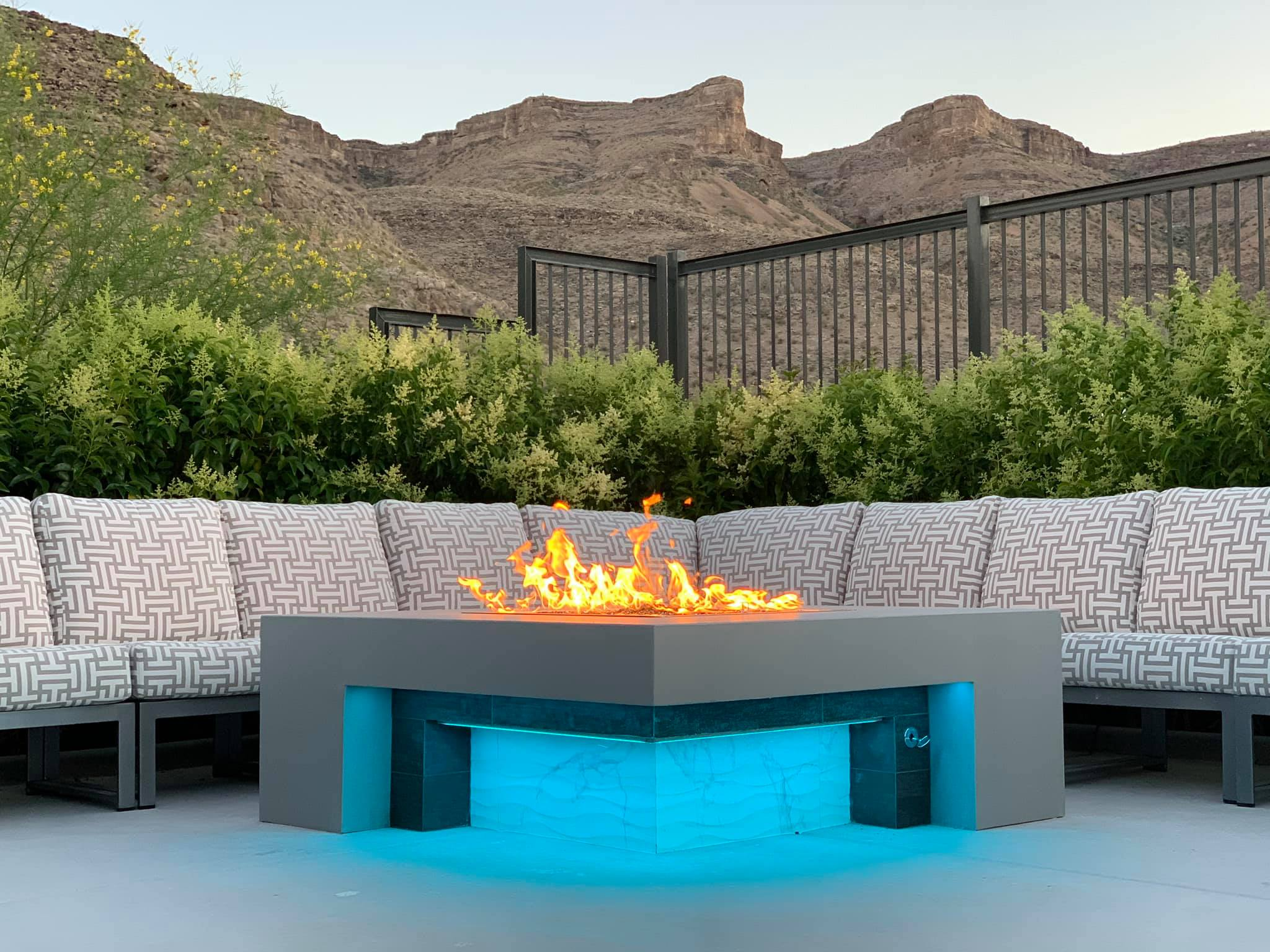 Outdoor Fire Pit Blue LED Lighting